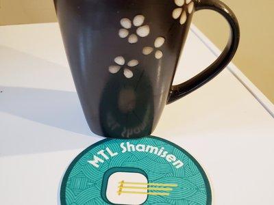 Sous-verres de MTL Shamisen Project avec tasse